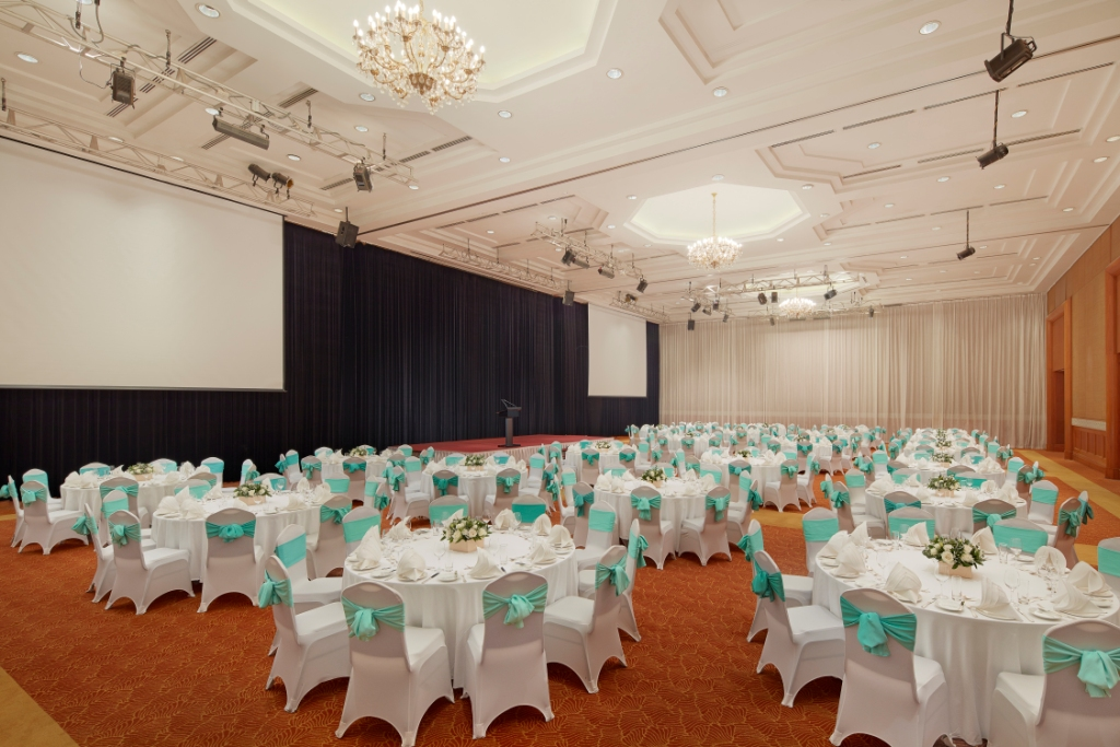 Sheraton Hanoi Hotel - Wedding at Ballroom